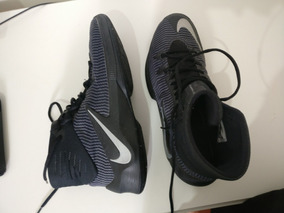 Tenis Nike Zoom Clear Out