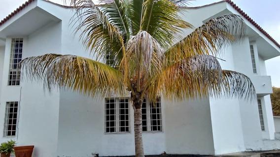 Maison C.a Vende Hermosa Casa En El Castaño 04243395895