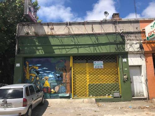Gran Local 247m2 + 140 M2 Fondo- Frente Mercado Modelo