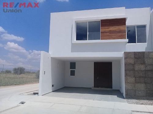 Casa Nueva En Venta Zona Dorada Al Norte