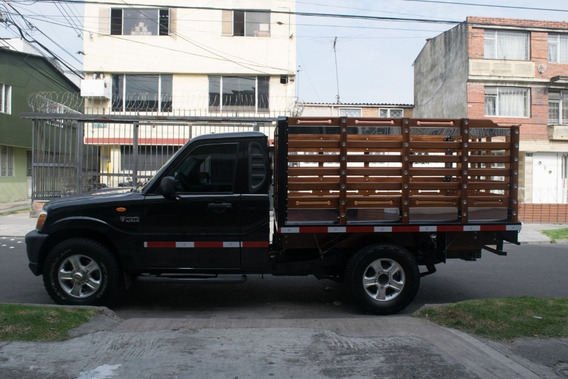 Mahindra Estacas 4x4