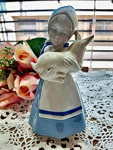 Imagen 1 de 6 de Niña Paisana Con Conejo Figura De Porcelana Española