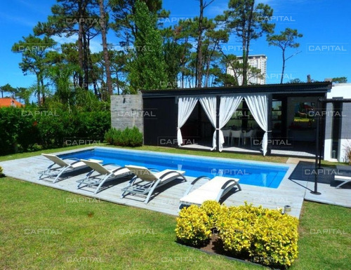 Moderna Casa Playa Mansa  - Punta Del Este  - 5 Dorm.- Ref: 25132