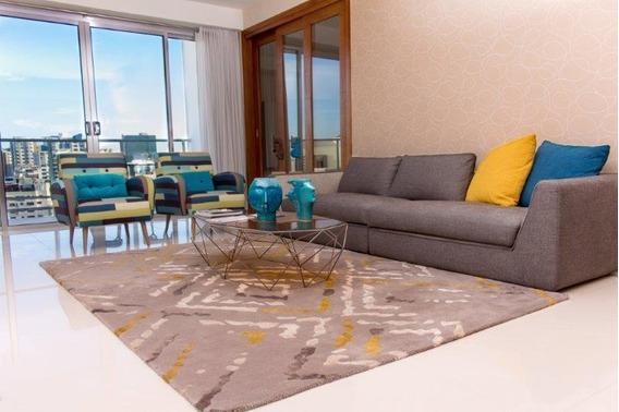 Apartamento En Torre Moderna - Céntrica Y Terminación De Primera