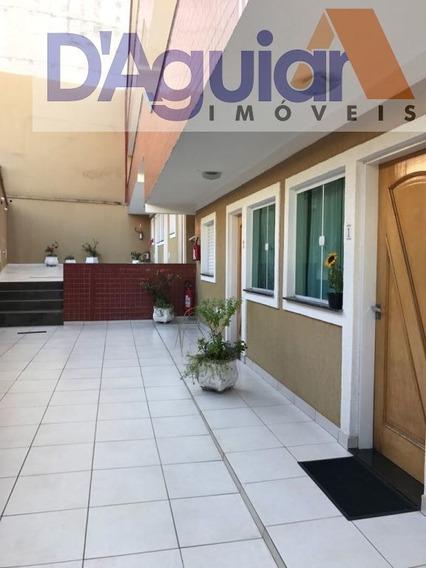 Kitnet Na Vila Aurora Próximo Da Água Fria Contendo Um Dormitório, Sala E Cozinha - Dg773