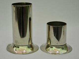 1710-04-02-08 P/velas 2 Fig. Metal Alt. Base Peso $349.00