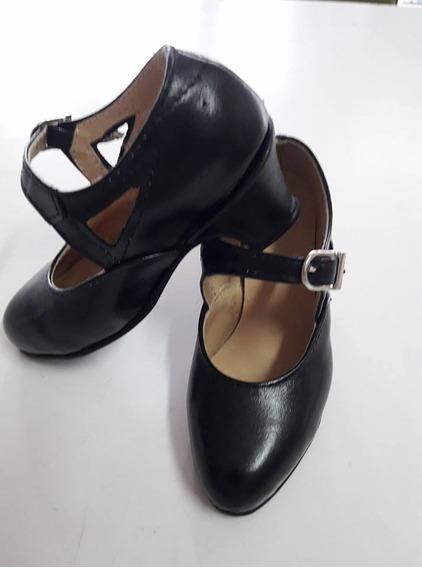 Zapato Cuero Español Y Folclore