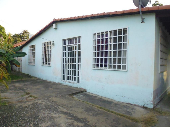 Casa Amoblada Urbanizacion Cantaclaro