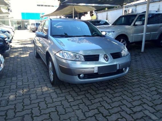 Renault Megane Sedan Dynamique 2.0 Autom