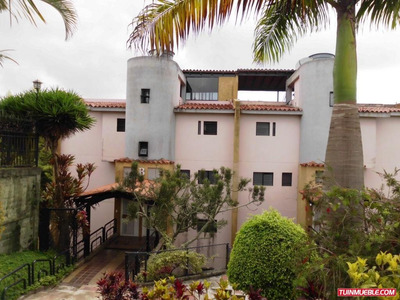 Apartamentos En Venta En Lomas De Monteclaro. 16-6320