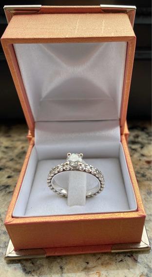 Aliança Inteira De Diamantes Com Diamante Solitário
