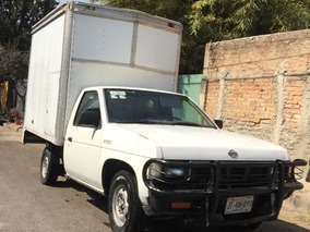 Nissan Pick-up Con Caja Seca Mod. Estacas Largo.