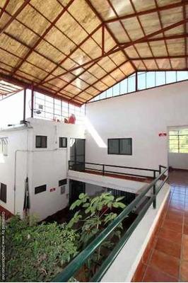 (crm-1404-3194) Se Renta Oficina Dentro De Plaza Comercial En Tlaltenango Clave Or670