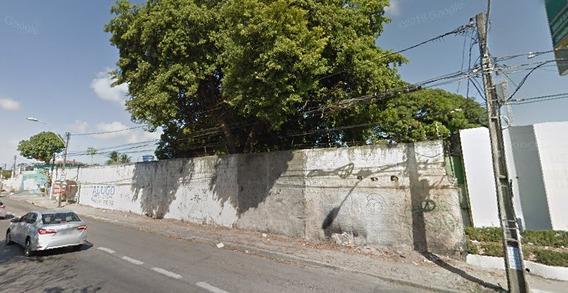 Amplo Terreno Na Maraponga, Murado, 3 Casas Construídas