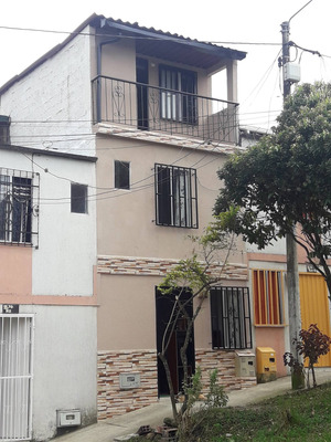 Vendo Casa En Cuba De 3 Pisos