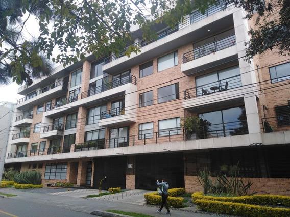 Apartamento En Arriendo Chico Navarra 810-308