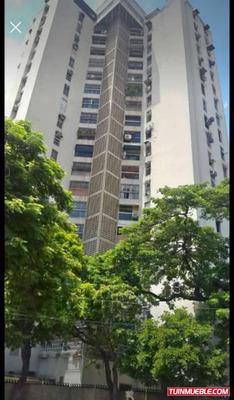 Apartamentos En Venta En Urb El Centro 04121994409