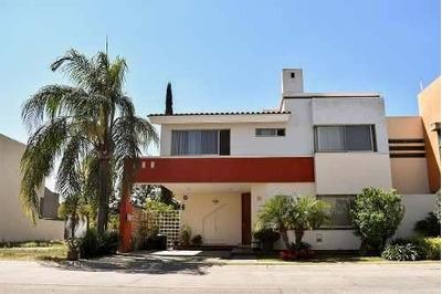 Casa En Venta Condominio Santa Catalina, Zona De Valle Real