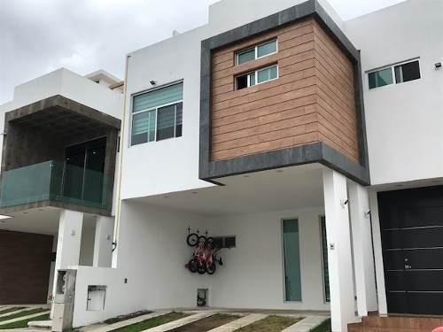 Hermosa Casa Nueva, Bonitos Acabados Bien Ubicada