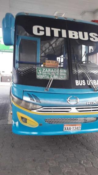 Bus Tipo Hino Ak 2014