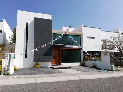 Preciosa Residencia En El Refugio, 3 Recámaras, Family Room, Jardín, Cto Serv...