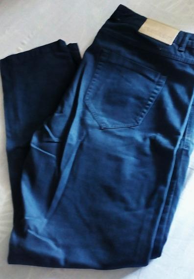 2 Zara, Pantalón En Azul Y Crudo.