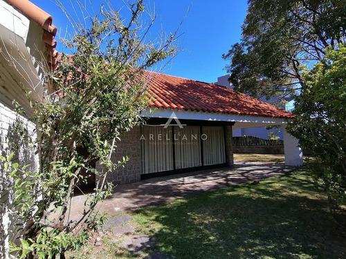 Venta Casa Playa Mansa A 1 Cuadra Del Mar 3 Dormitorios- Ref: 159