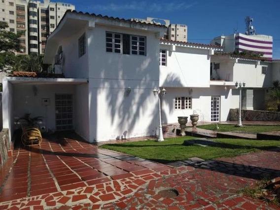 Casa En Venta Los Libertadores Barquisimeto 20-2733 Jg