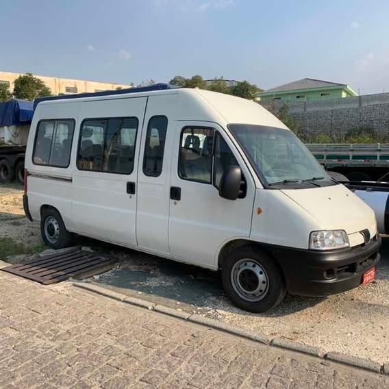 Peugeot Boxer Minibus 16 Lugares