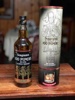 Whisky 100 Pipers Seagrams De Luxe. Añejado +25 Años