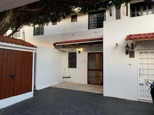 Casa Sola En Renta Céntrica Para Oficinas O Habitación
