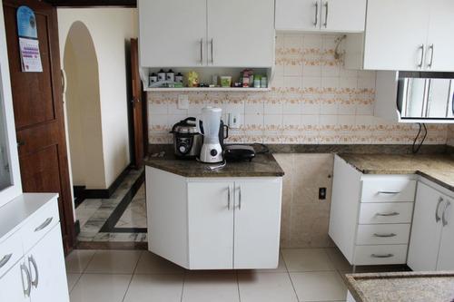 Amplo Apartamento Composto Por 03 Quartos, 01 Vaga Garagem - Pr2691