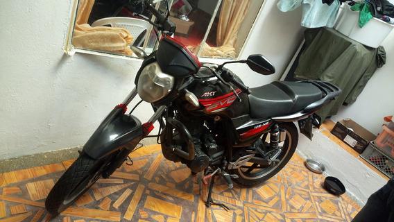 Se Vende Moto Akt Evo 2013 En Perfecto Estado Color Negro