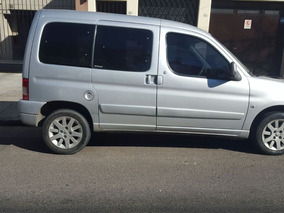 Se Vende Camioneta Citroen Berlingo Multispace Gris.