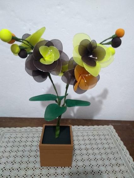 Orquídea Vaso Madeira Marrom 2 Galhos E Flores Marrom Amarelo E Verde Artesanal