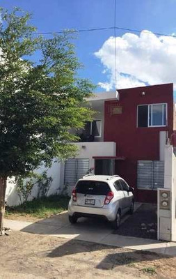 Casa En Venta En Colinas Del Bosque