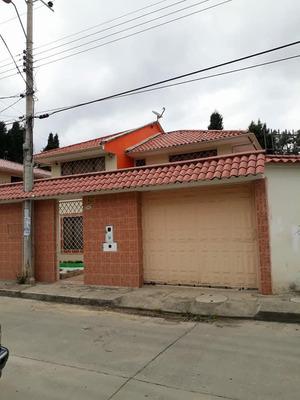 Casa Esquinera En Cuenca