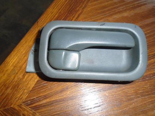 Vendo Manigueta Trasera Derecha De Nissan Máxima Año 1999