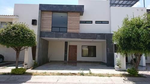 Casa En Venta En Colonia El Mayorazgo Residencial