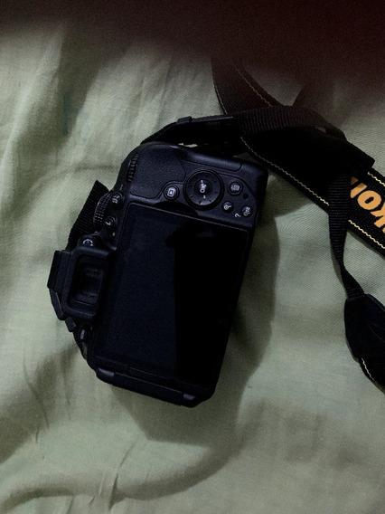 Câmera Nikon D5300/ Bolsa/lente/cartao 64gb.