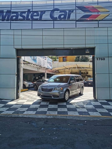 Imagen 1 de 12 de Chrysler Town & Country 3.6 Li Mt 2016