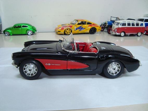 Miniatura Chvey Corvette 1957 1/18 Burago #n11 - Defeito