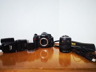 Camara Nikon D7000 Con Todos Los Accesorios Y 2 Memorias