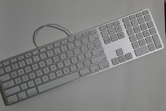 Apple A1243 Teclado Com Fio Mb110ll/a Com Teclado Numérico