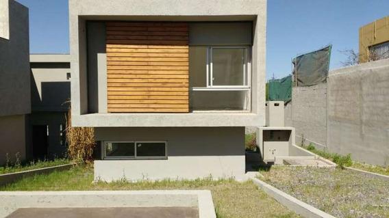 Casa- Los Carolinos -3 Dormitorios