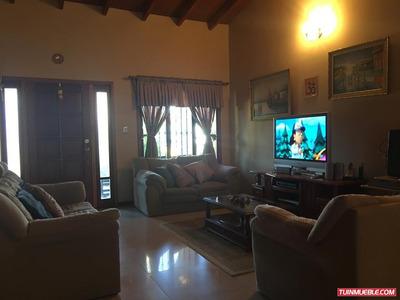 Casas En Venta Urb La Mantuana Country, Turmero, 04125317336