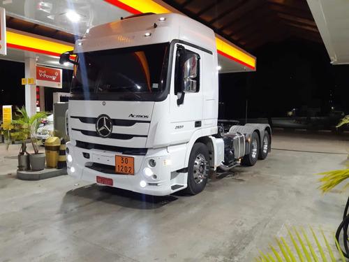 Imagem 1 de 8 de Mercedes Bens Actros 2651