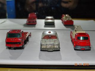Pacote 10 - Com 3 Miniaturas Tomica Sucatas Variadas B938
