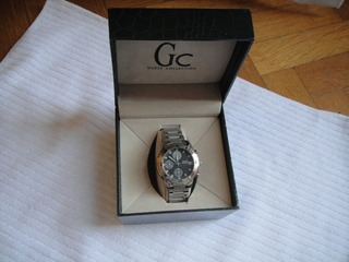 Reloj De Hombre Guess Cronografo