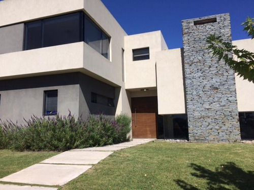 Casa En Venta/alquiler 4 Dormitorios - Los Alisos , Nordelta